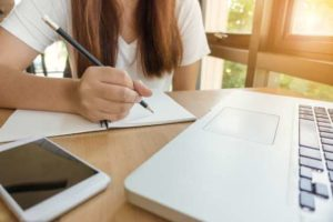 7 Best Writing Helpers for Newbie Bloggers