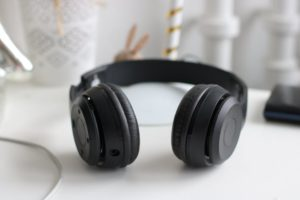 Things to consider before buying a headphone online